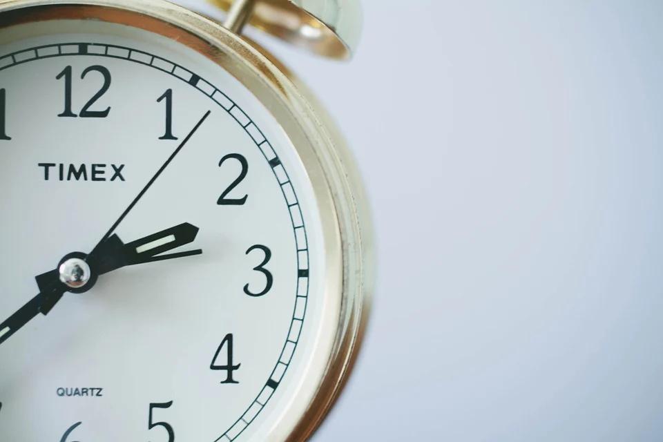 Zmiana czasu a czas pracy i jego rozliczanie