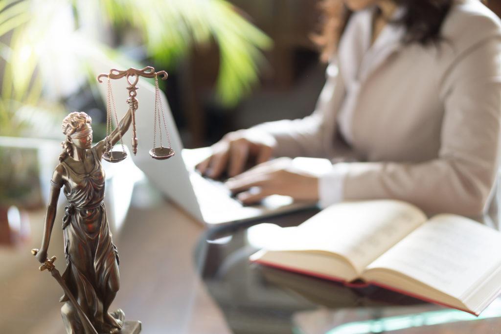 Pozew-o-odsetki-ustawowe-za-opoznienie