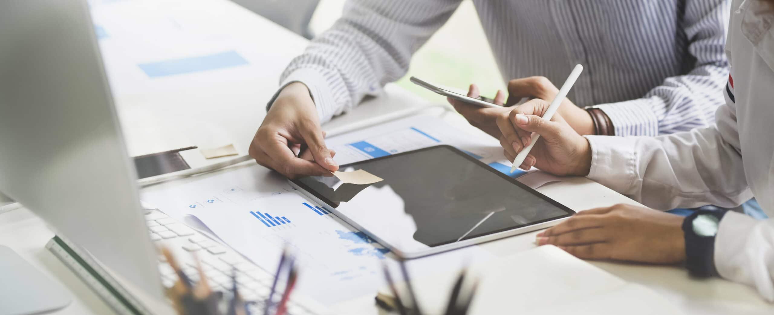 Spółka komandytowa – co warto wiedzieć zmieniając jej umowę?
